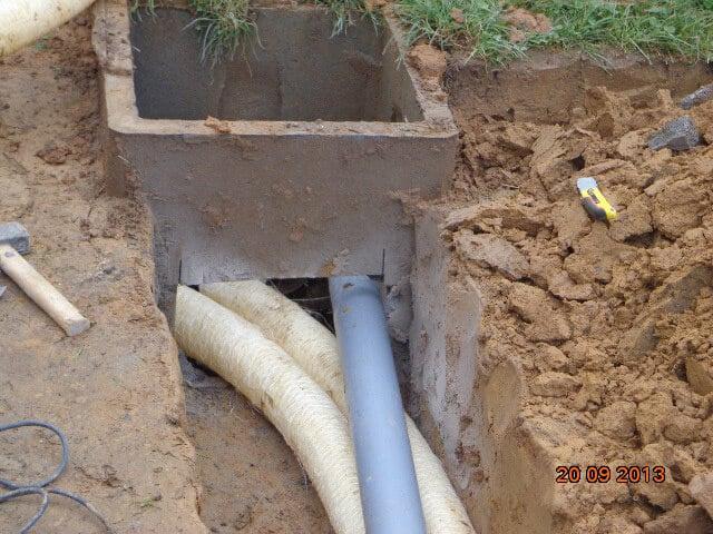 drainage de fondations de v randa raccord la citerne d 39 eau de pluie entreprise r novation. Black Bedroom Furniture Sets. Home Design Ideas